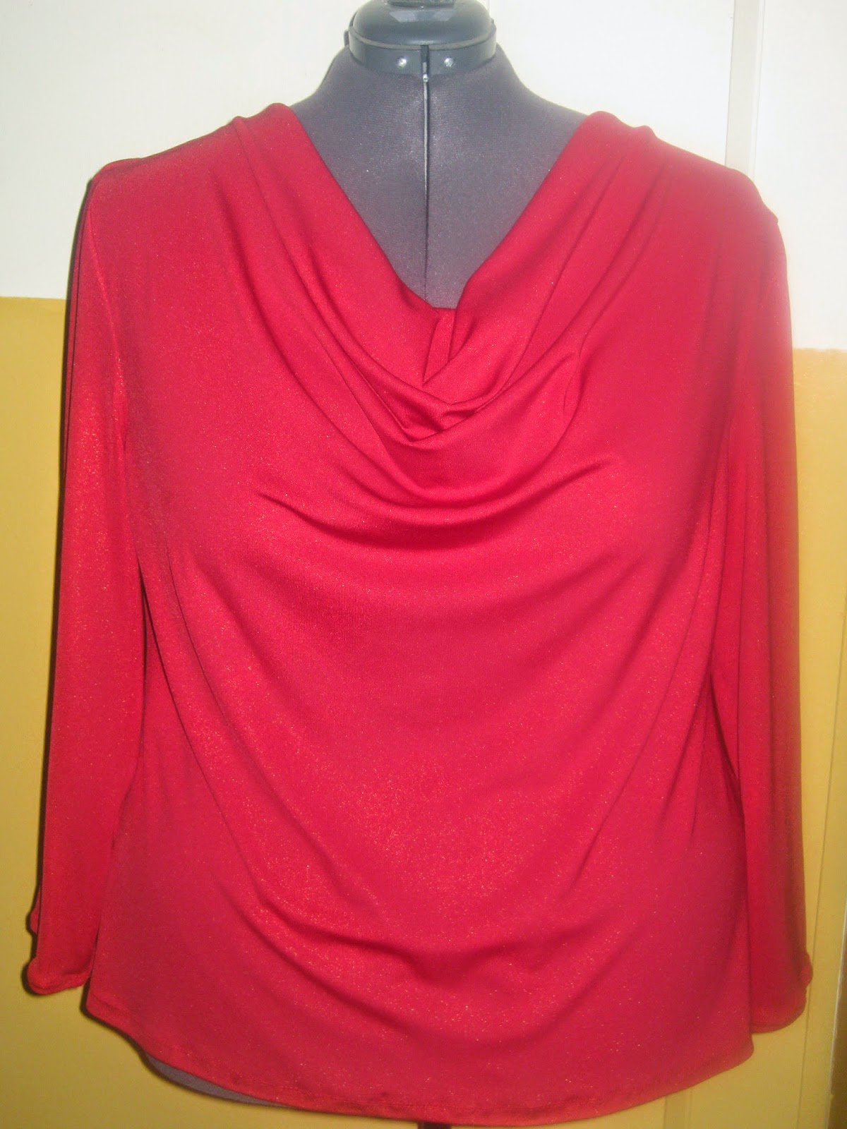 Red Cowl Neck Top www.sewplus.blogspot.com