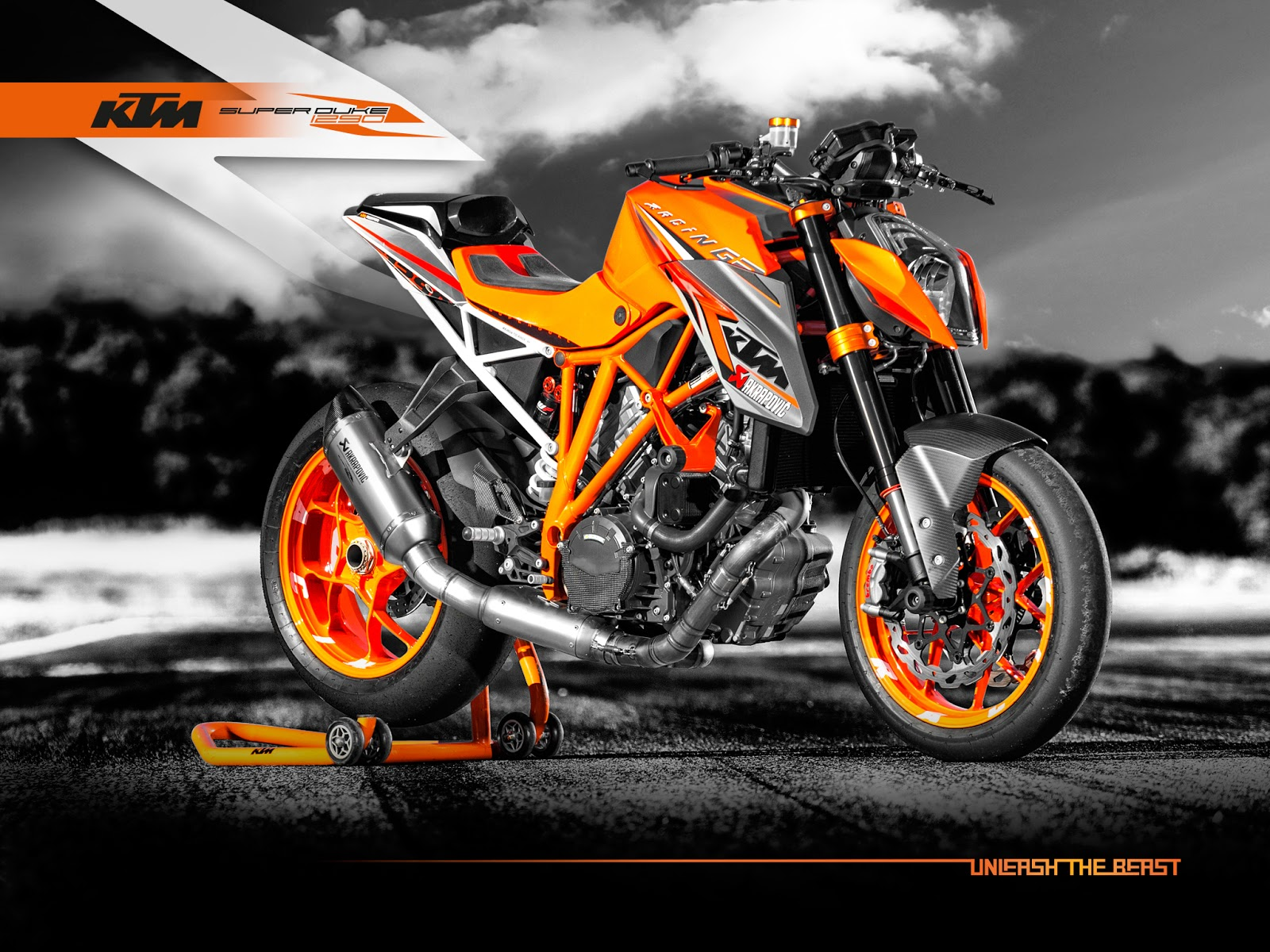 motorlikes ktm 1290 super duke r prototype versus production model. Black Bedroom Furniture Sets. Home Design Ideas