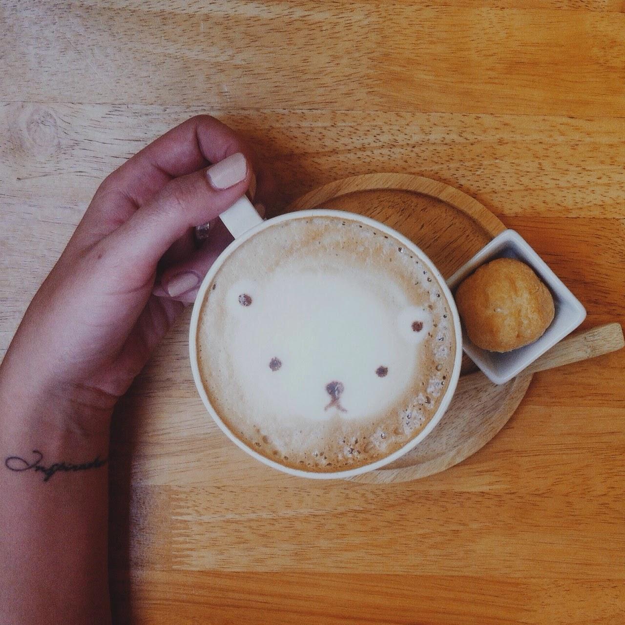 coffee, latte, latte art, cute images on coffee foam, tlv birdie blog, cute coffeeshop pictures, instagram social media tips