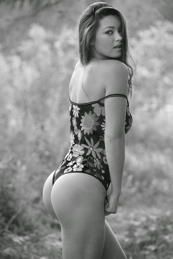 Much Leelee sobieski bikini pics pursuit best left