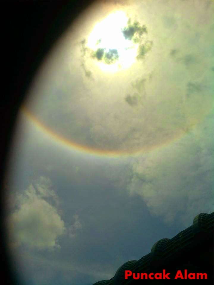 3 Gambar Kejadian Aneh Berlaku Di Langit Sekitar Negara Hari Ini