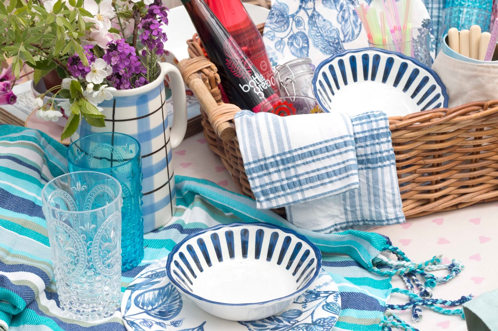 MAY DAY PICNIC WITH HOMESENSE