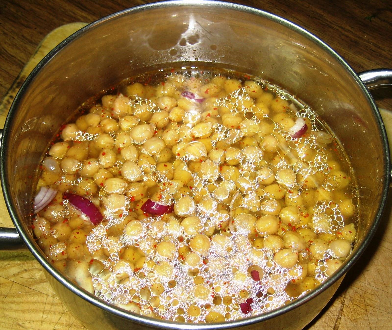 ... Pasta with Chickpeas and Arugula - Pasta Fresca con Ceci e Rucola