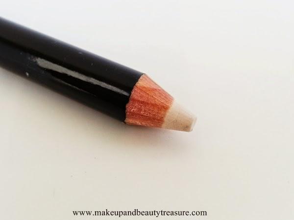 Revlon-Photoready-Kajal-Intense-Eyeliner-Brightener
