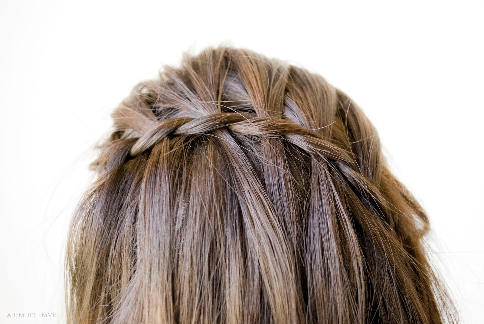 5 Minute Hairstyles For Girls Ahem Its Emme 5 Minute Spring Hairstyles Easy Faux Waterfall