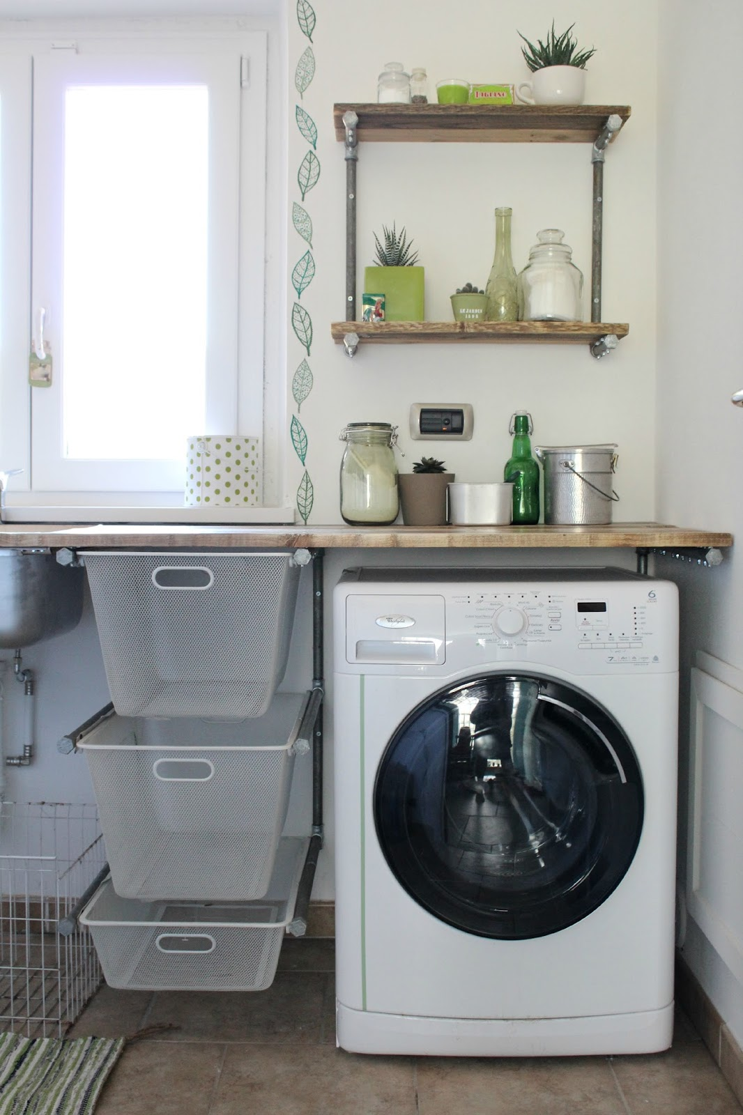 Vivere a piedi nudi living barefoot laundry makeover for Portabiancheria ikea