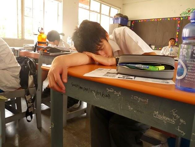 Tidur Di Kelas Itu Sudah Biasa