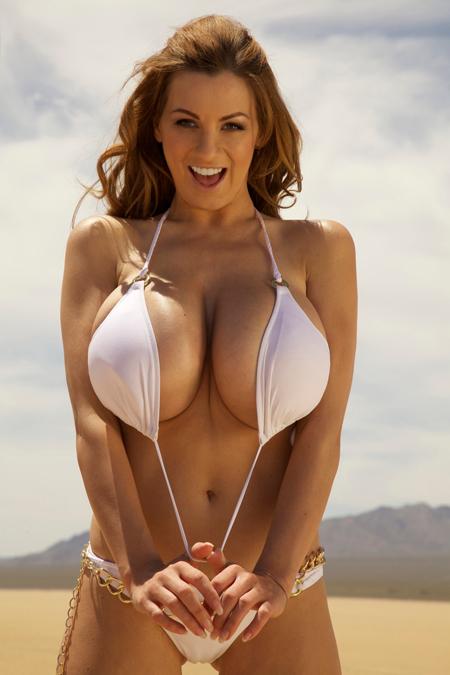 images881619 JordanCarver nguckhung5 Ảnh nóng những bộ ngực siêu khủng lớn nhất thế giới