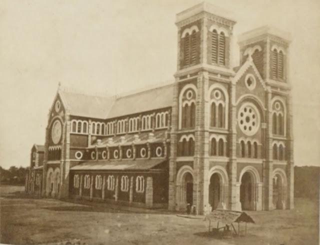 Lịch Sử của nhà thờ Đức Bà qua dòng thời gian tới nay đã hơn 135 năm.. 9