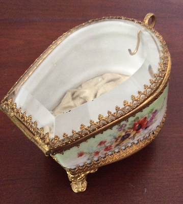 Victorian Jewellry Box with flowers No. 1