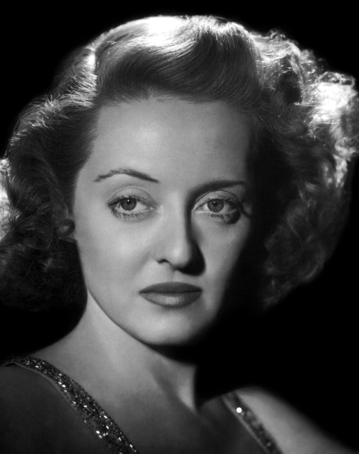 dazzling divas photo portret bette davis. Black Bedroom Furniture Sets. Home Design Ideas