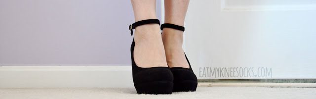 Milanoo's ultra-comfortable, faux-suede black wedge pumps are great for special occasions or day-to-day outfits.