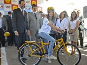 Estudante ganha bicicleta no Recanto das Emas, DF