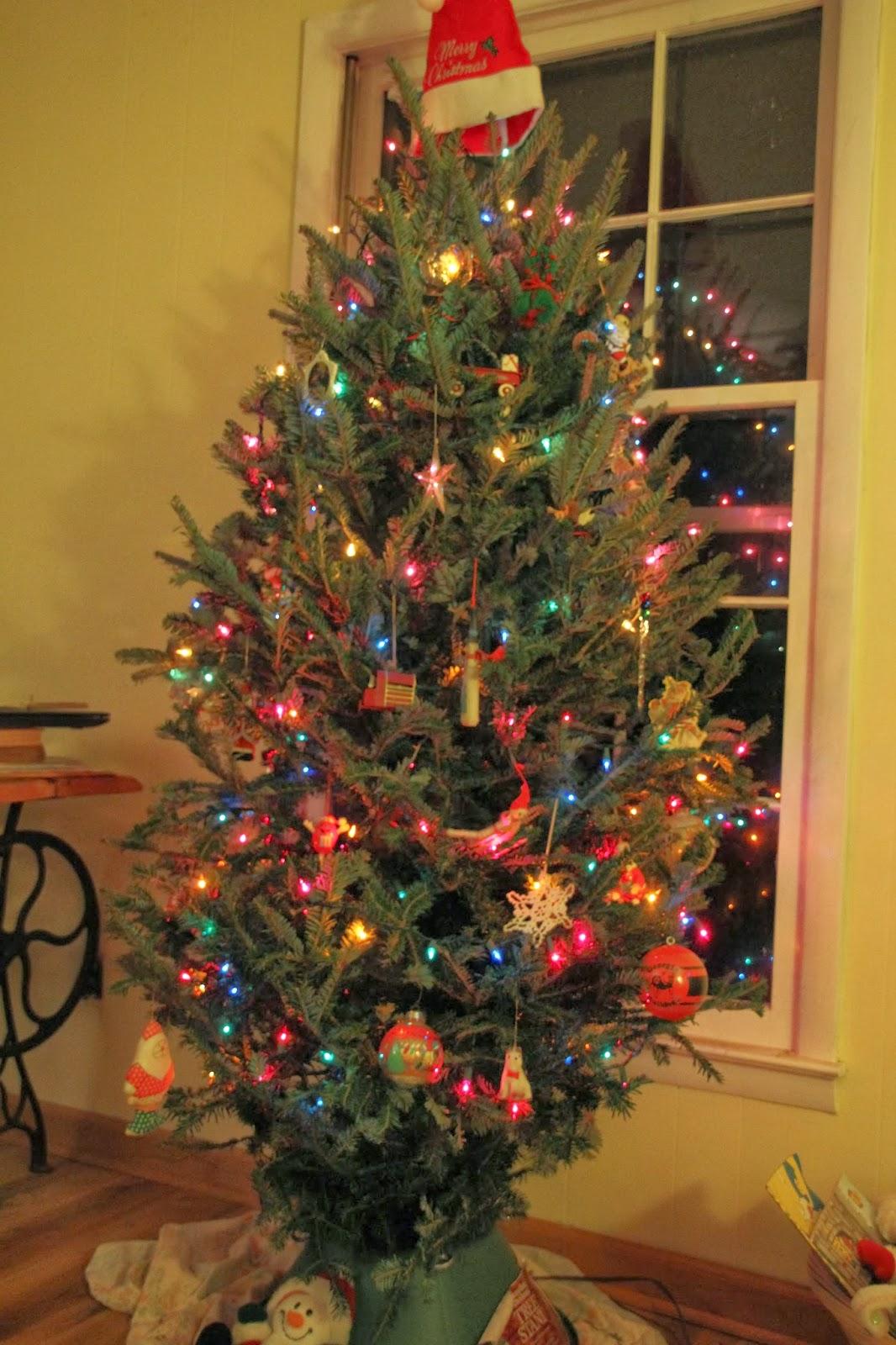 Lowes Christmas Trees Prelit