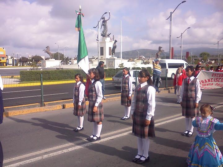 DESFILE 15 DE SEPTIEMBRE...2012