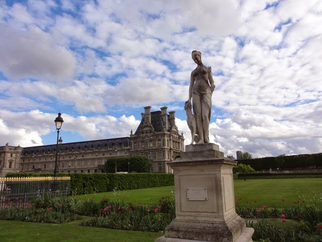 Reisetageblog 8 stunden paris colette co teil 2 liebe auf den zweiten blick for Kiosque jardin des tuileries