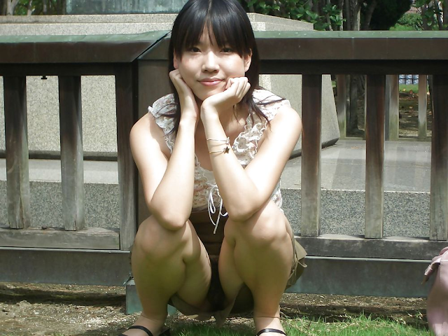 Super Cute Japanese girlfriend's lovely pink nipple and hair pussy outdoor exposure photos leaked (42pix)
