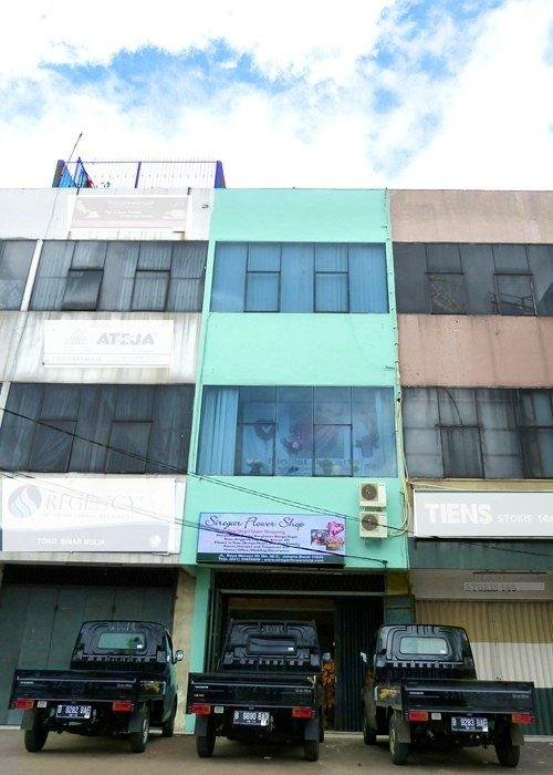 Toko, Workshop dan Armada Siregar Flower Shop