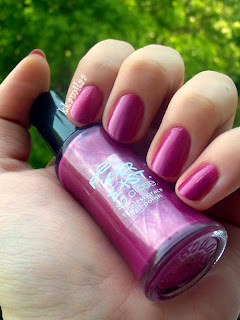p2 Far East. So close. nr 020 - Pinkish Purple