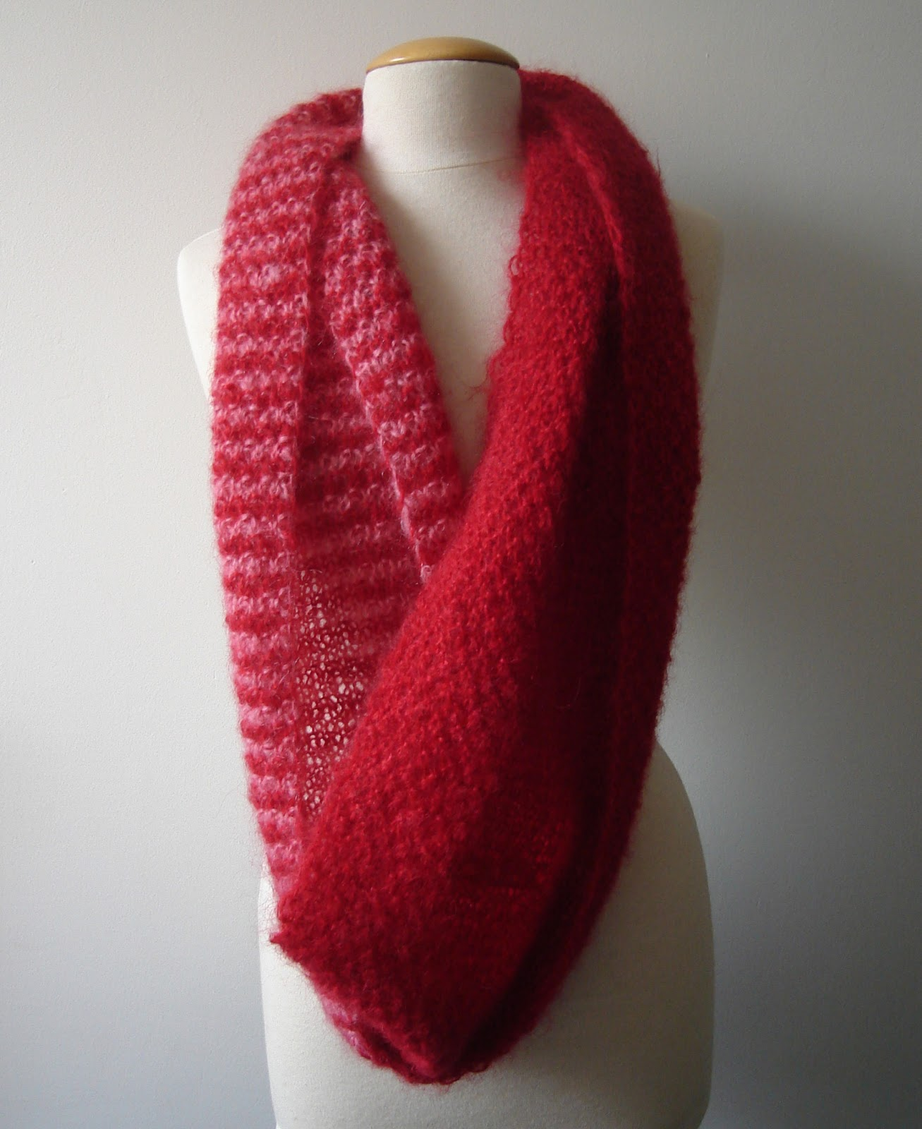 Handmadehandsome handmade items and knitting patterns youll find it under infinity scarf eindeloze sjaal under free patterns at the top of this page will you add a photo of your finished scarf to this bankloansurffo Images