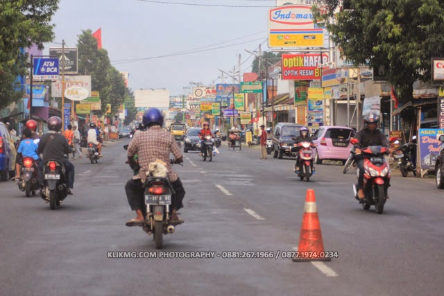 FOTO JALANAN KOTA KECAMATAN SOKARAJA - BANYUMAS (Photo by. KLIKMG.COM Photography - Photographer Purwokerto / Photographer Banyumas / Photographer Indonesia)