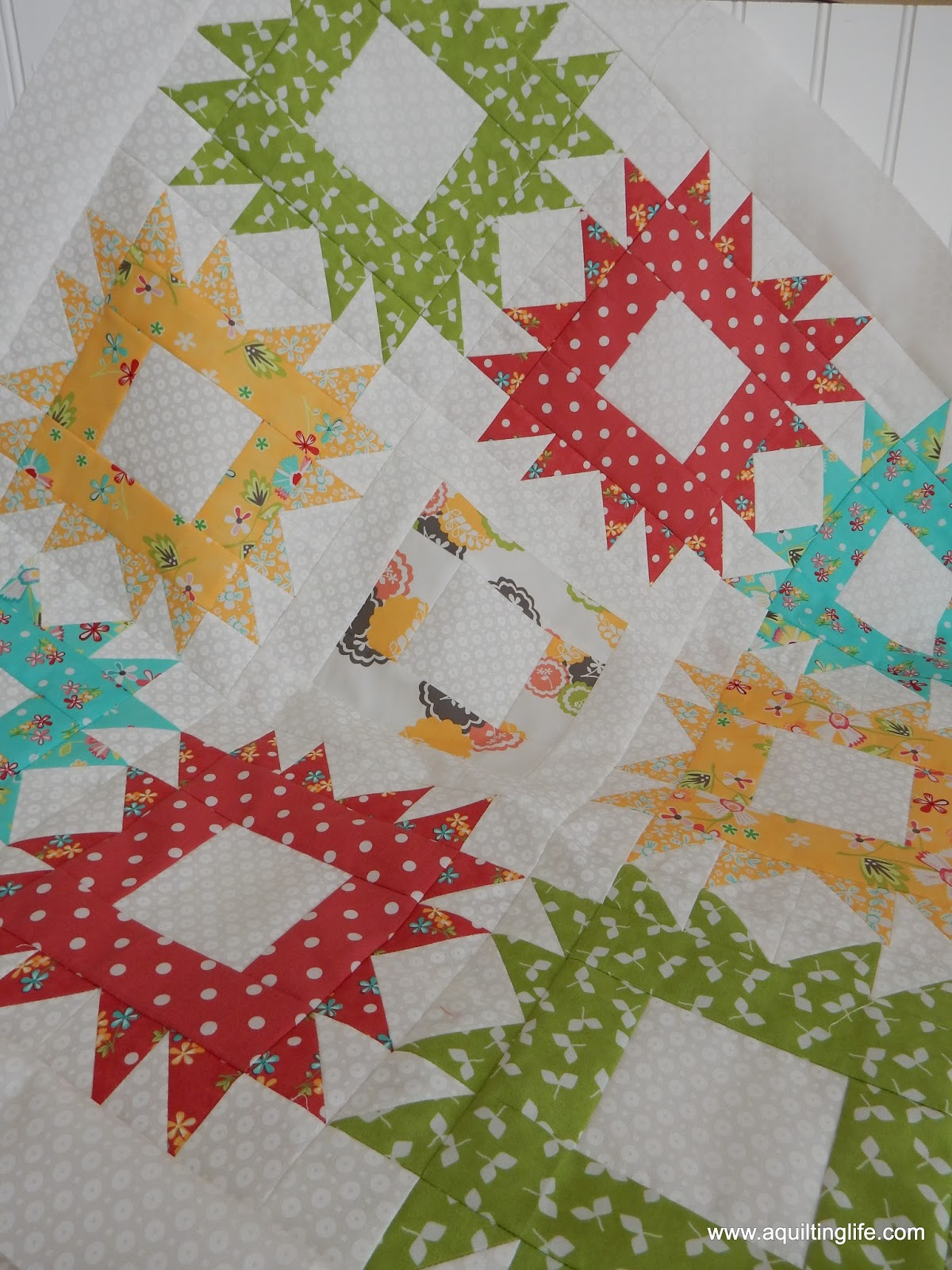 Fat Quarter Baby Quilts | A Quilting Life - a quilt blog : fat quarter baby quilts - Adamdwight.com