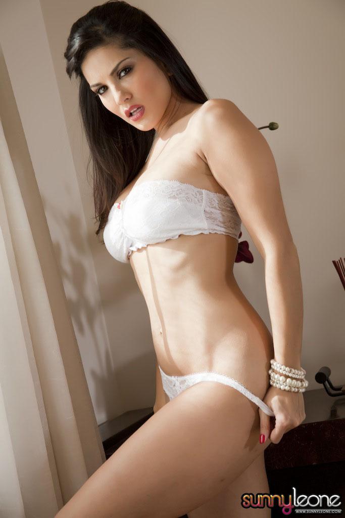www.celebtiger.blogspot.com Sunny+Leone+ +White+BikIni+(23) Sunny Leone Indian Pornstar Posing Nude In White Lingerie HQ Photos