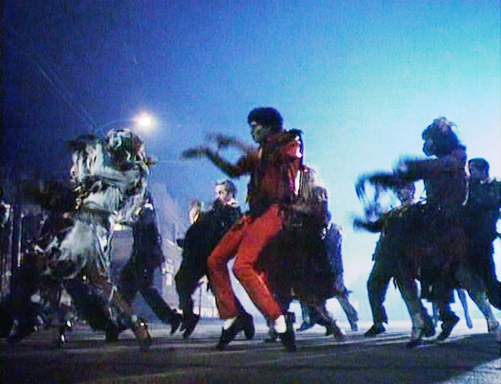 When you and your girlfriends hear your favorite song ... Michael Jackson Thriller Video Dance