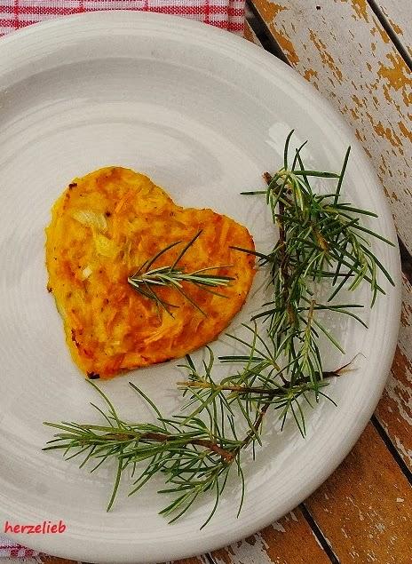 Mediterrane Kürbispuffer in Herzform - Rezept für einen Snack, der ...