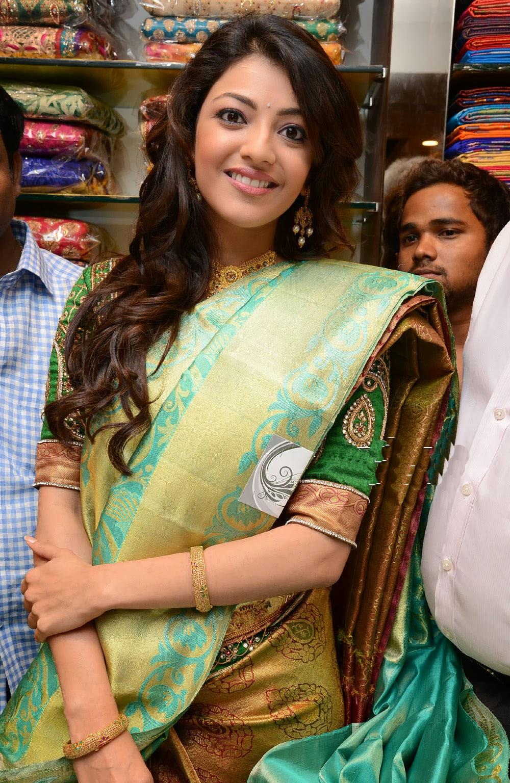 Kajal Agarwal sexy saree pics