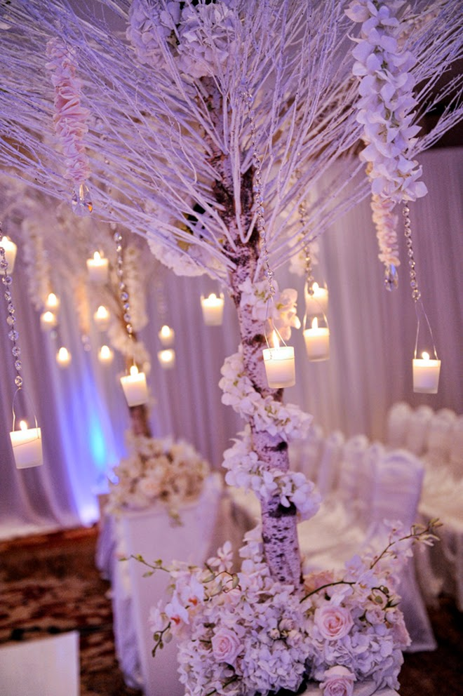 Winter wonderland wedding belle the magazine for Winter themed wedding centerpieces