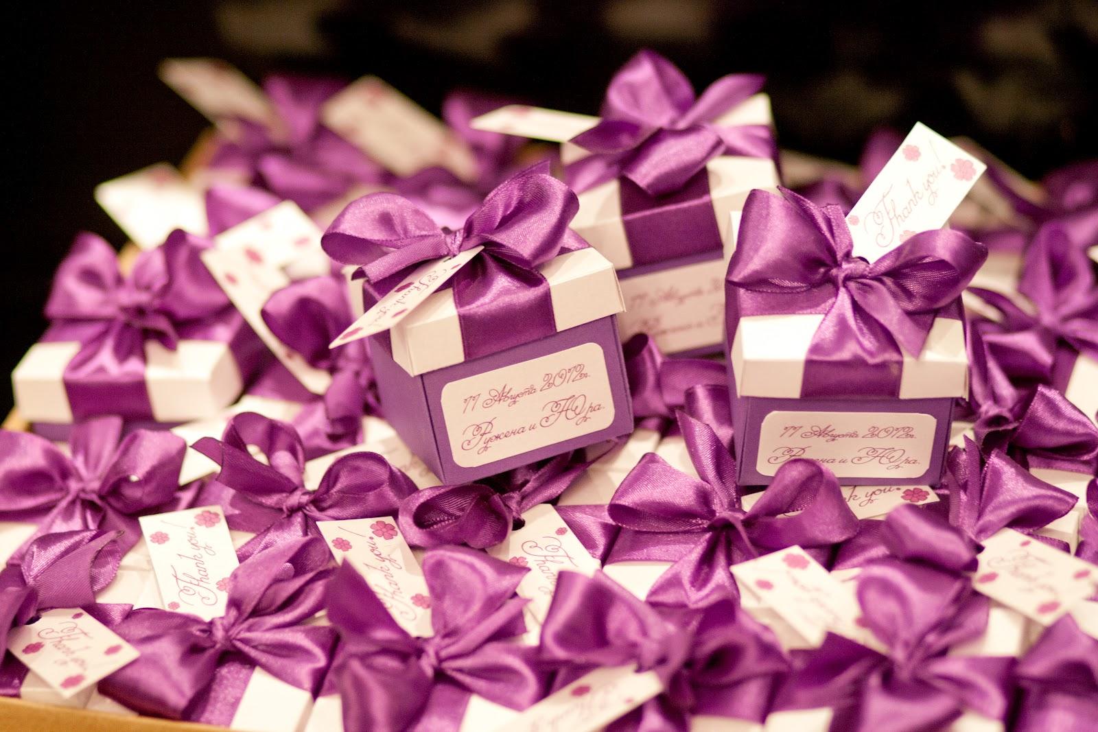 Подарки гостям на свадьбе: что подарить и как удивить своих гостей 45