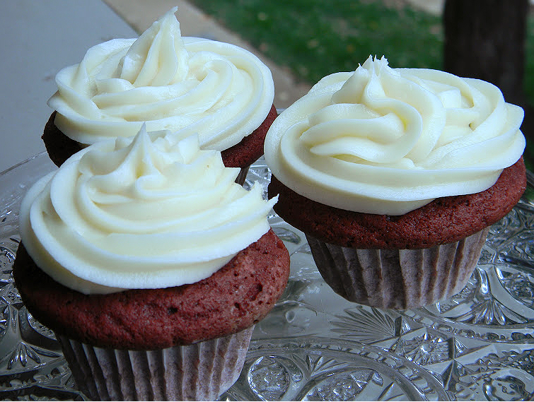 Ina Garten Cupcakes Classy With thummprints: Ina Garten's Red Velvet Cupcakes Image