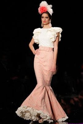 trajes de flamenca 2014 con faldas y camisas Sofía Rivera