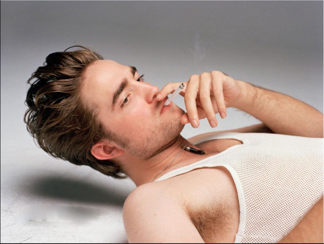 http://1.bp.blogspot.com/-3RrR10QWimE/Tr7FbS0rGSI/AAAAAAAAGBc/SnOc0kyWHNQ/s1600/Wallpaper_Robert_Pattinson.jpg