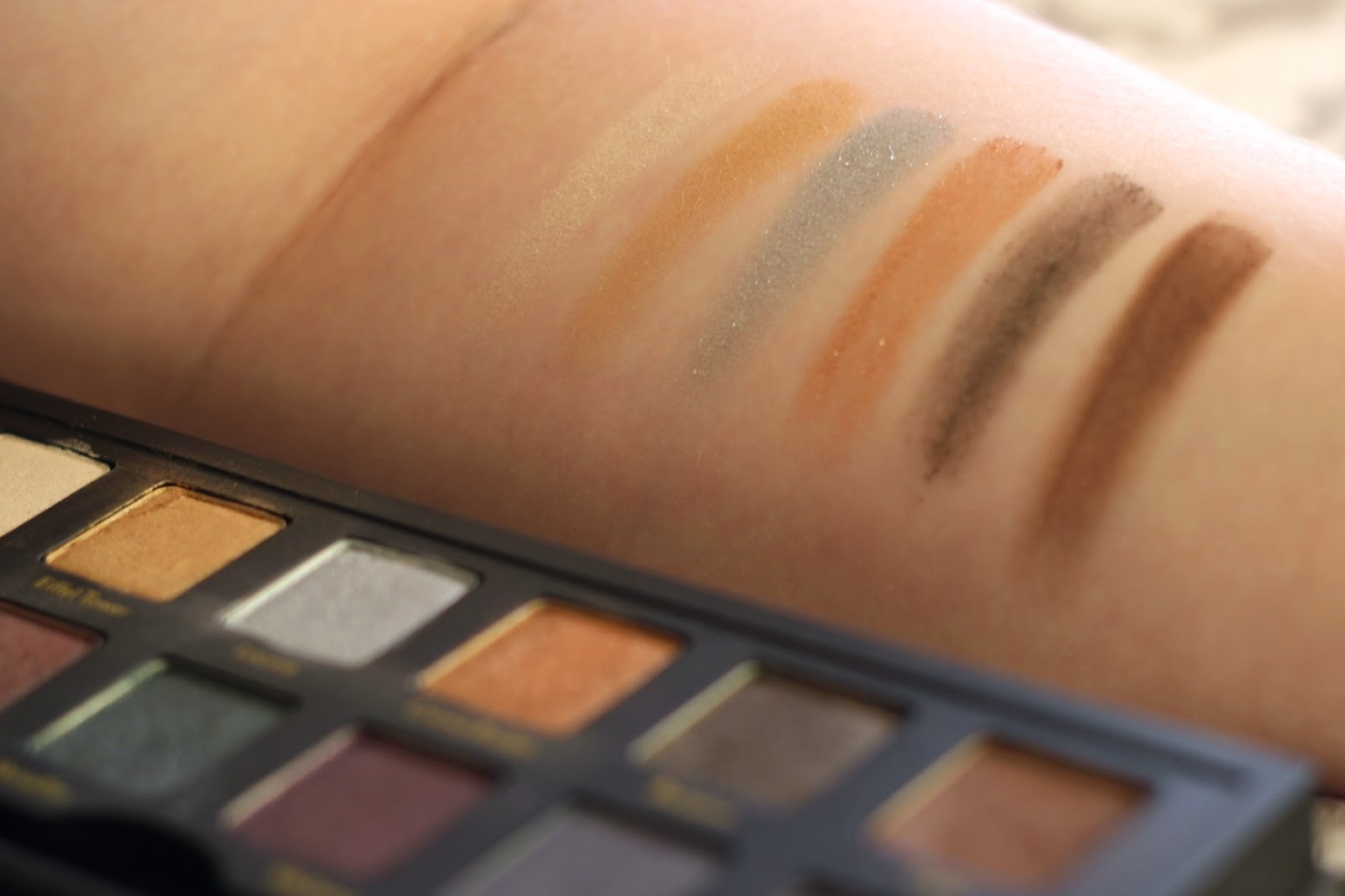 Cargo Cosmetics Let's Meet In Paris Eyeshadow Palette Swatches