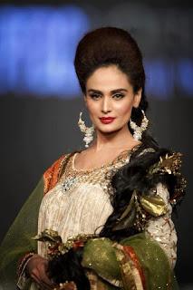 Models Ramp on Loreal Bridal Fashion weak in Pak 2012
