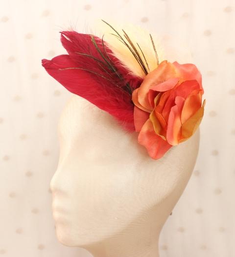 Colección Comemeriendas - Tocado naranja pluma y flor