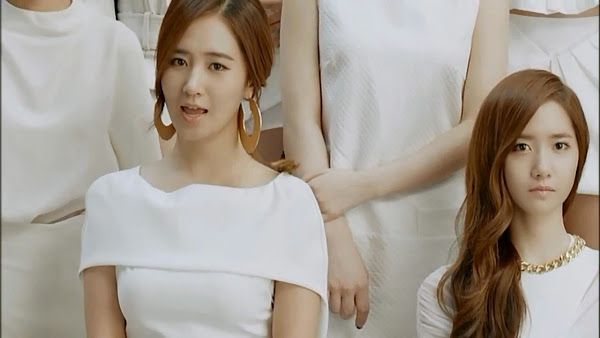 Yuri Divine
