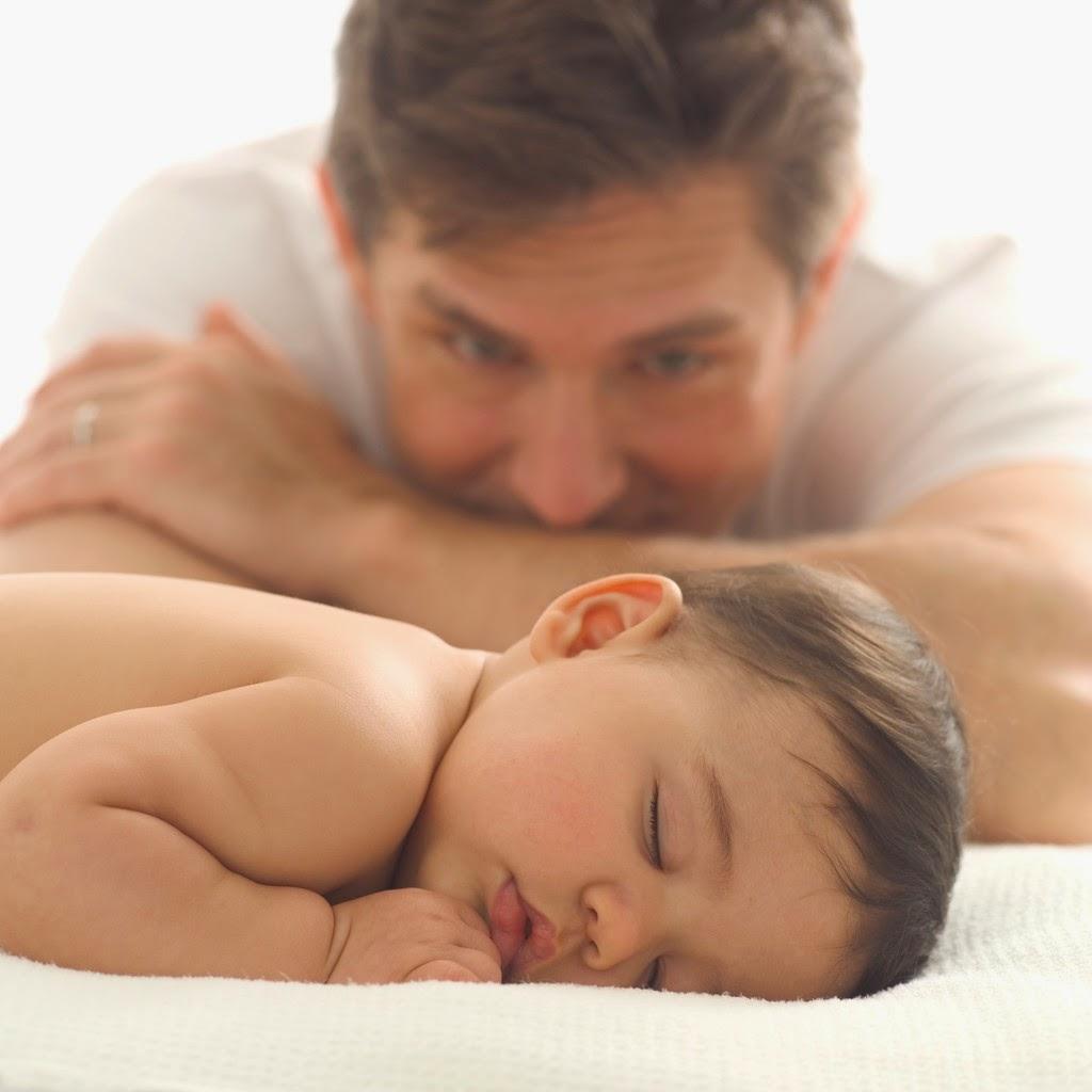 Membangun Hubungan Emosional Ayah dan Bayi