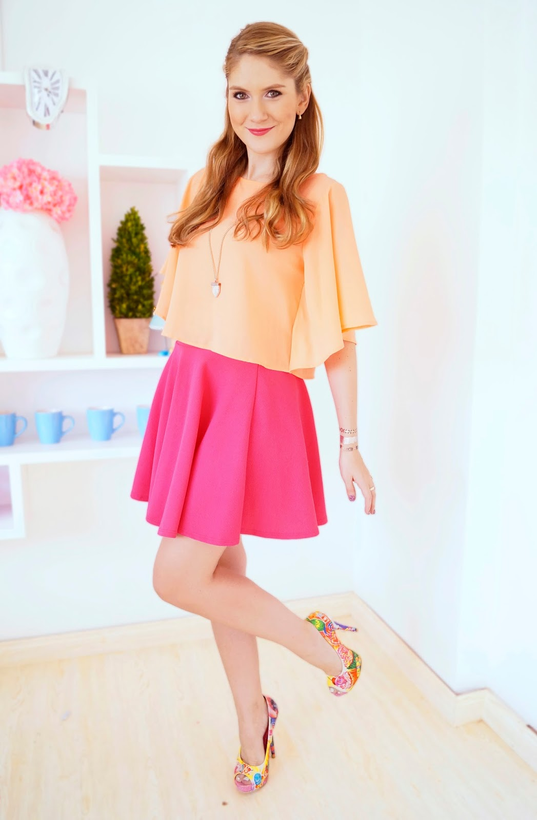 Love this pink and orange color combo!