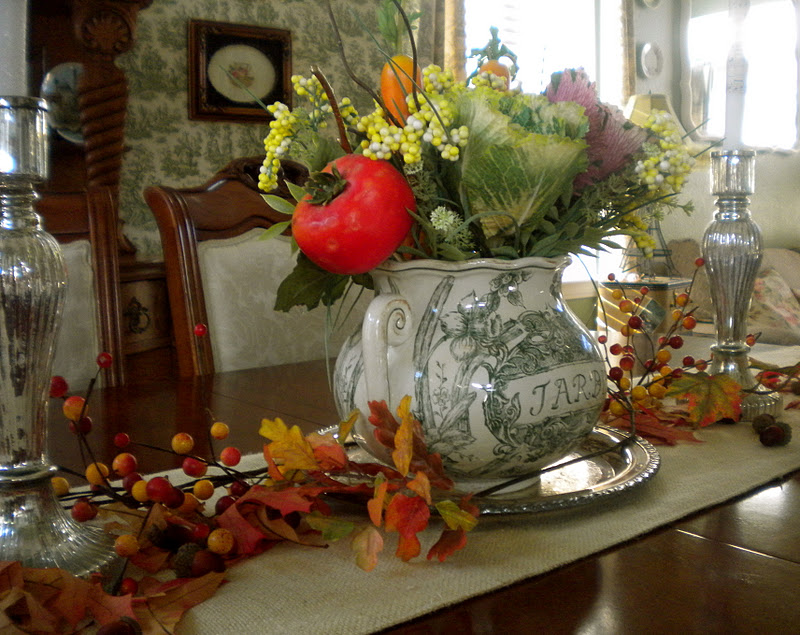 Cottage blessings decorating for fall with yard sale finds for Yard decorations for sale