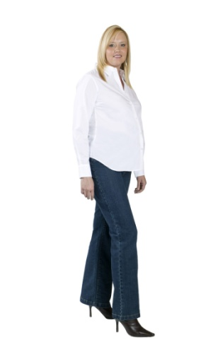 THE TALL WOMEN'S MATERNITY CLOTHES GUIDE Tall mamas, a stylish 40 weeks awaits. We've curated the tall maternity clothes guide for a super-chic adventure. Read on for the top five maternity must-haves. 1. THE TALL MATERNITY JEAN.