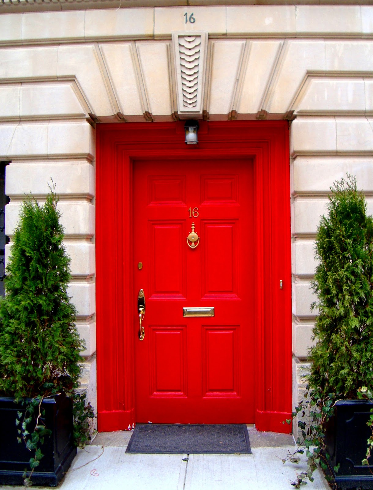 David cobb craig red doors of the upper east side for Side doors for houses