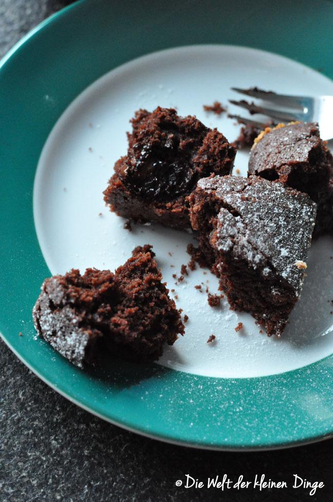 Schokoladenkuchen, Schokokuchen, saftiger Schokoladenkuchen, schneller schokoladenkuchen, schneller schokokuchen, saftiger schokokuchen, resteverwertung, schokoladen resteverwertung, schoko nikolaus resteverwertung, schokonikolaus, ostereier