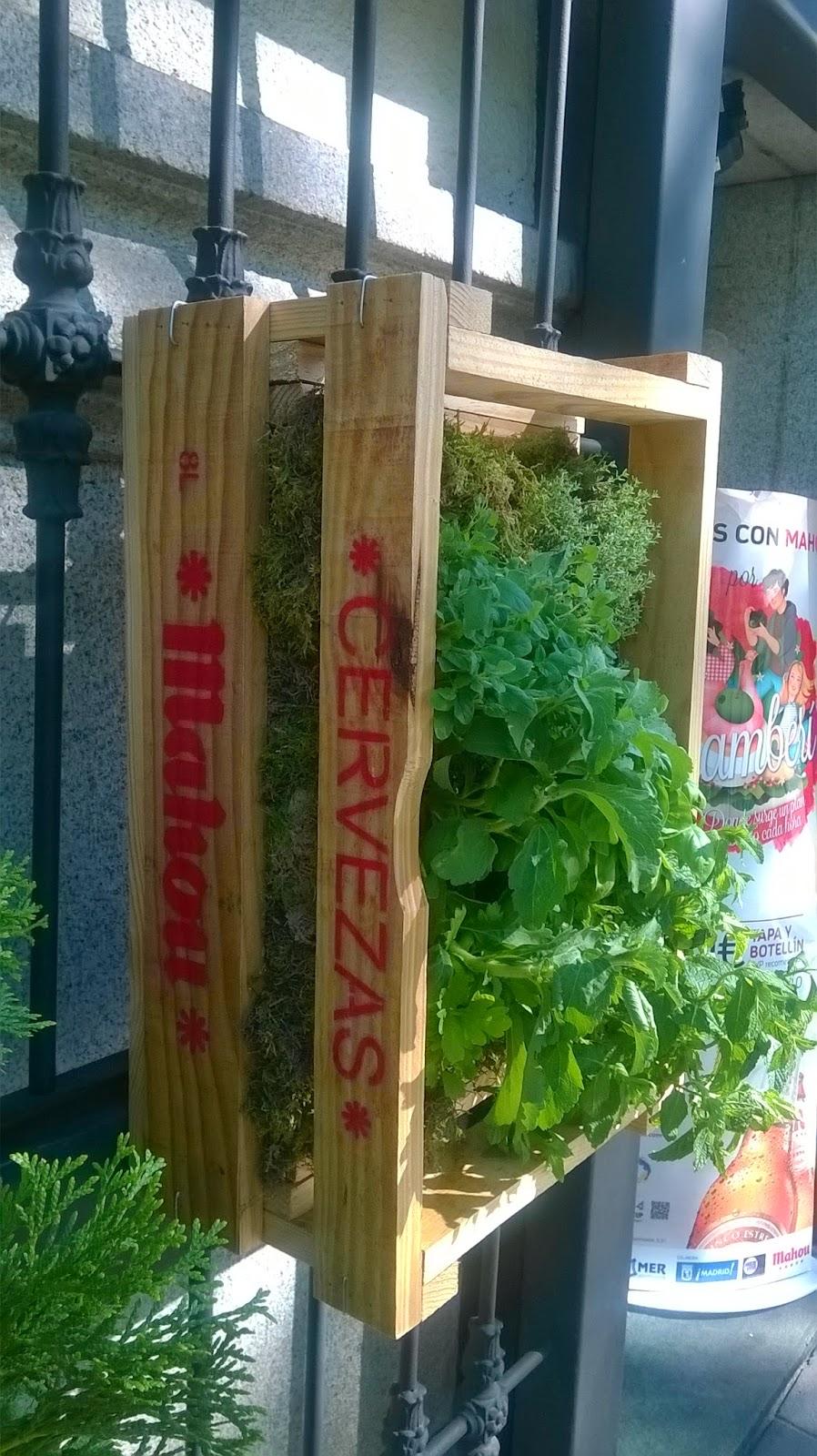 Publicidad De Mahou Con Jardines Verticales Jardines
