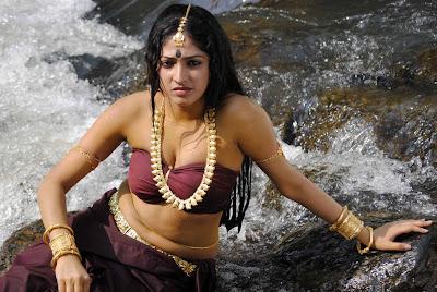Haripriya Hot Navel Show Latest Photos
