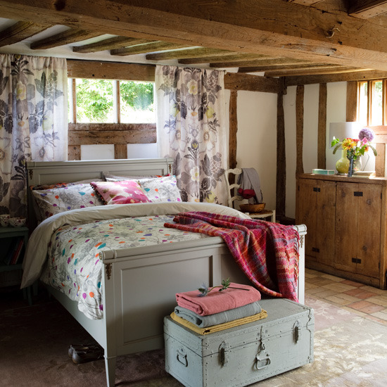 Country Bedroom Decorating