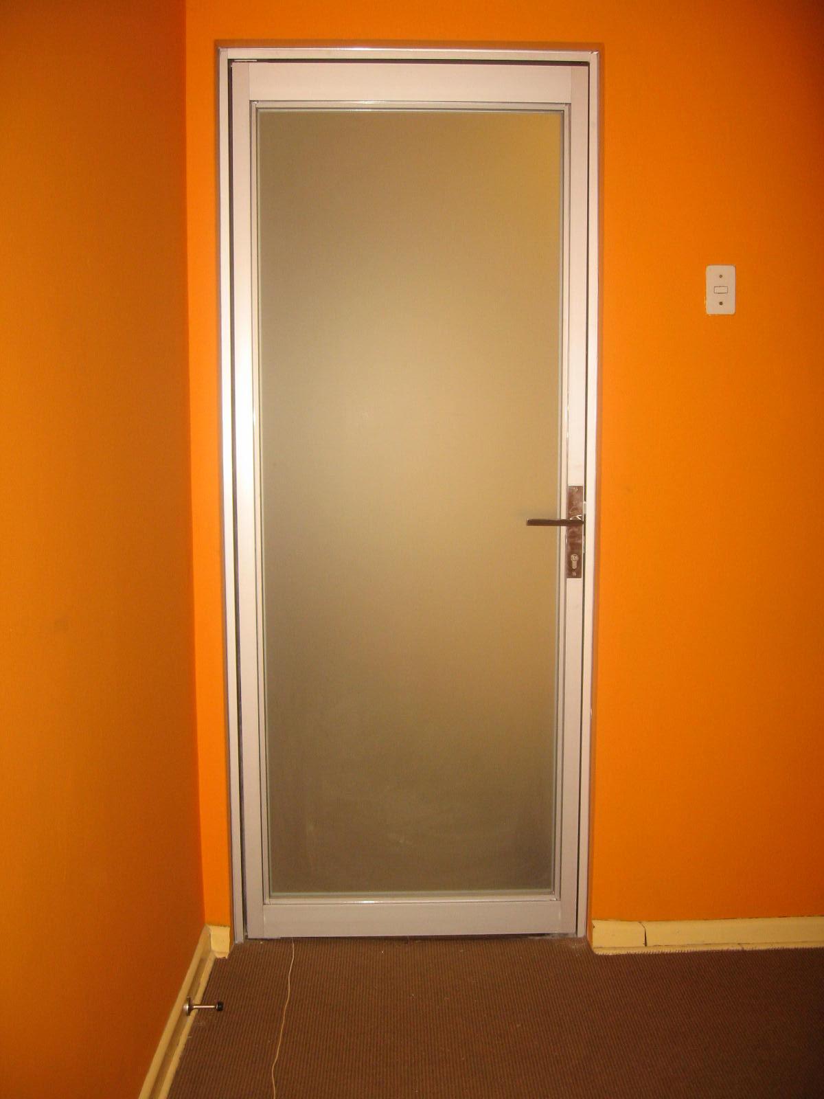 Puertas De Baño Aluminio:Instalacion de Vidrios, Ventanas, Mamparas y Otros: PUERTA DE ALUMINIO