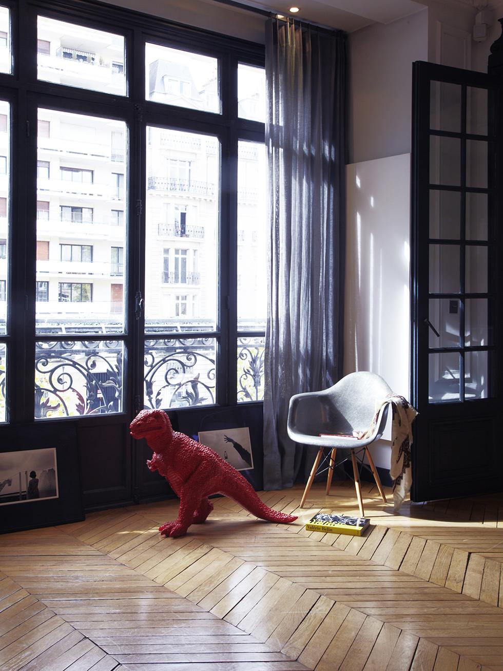 Monkey 39 s muse design inspiration herringbone floors for Salle a manger cristal